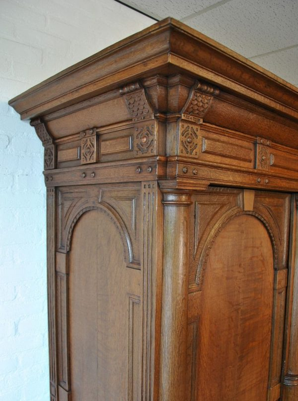 Flemish cupboard detail