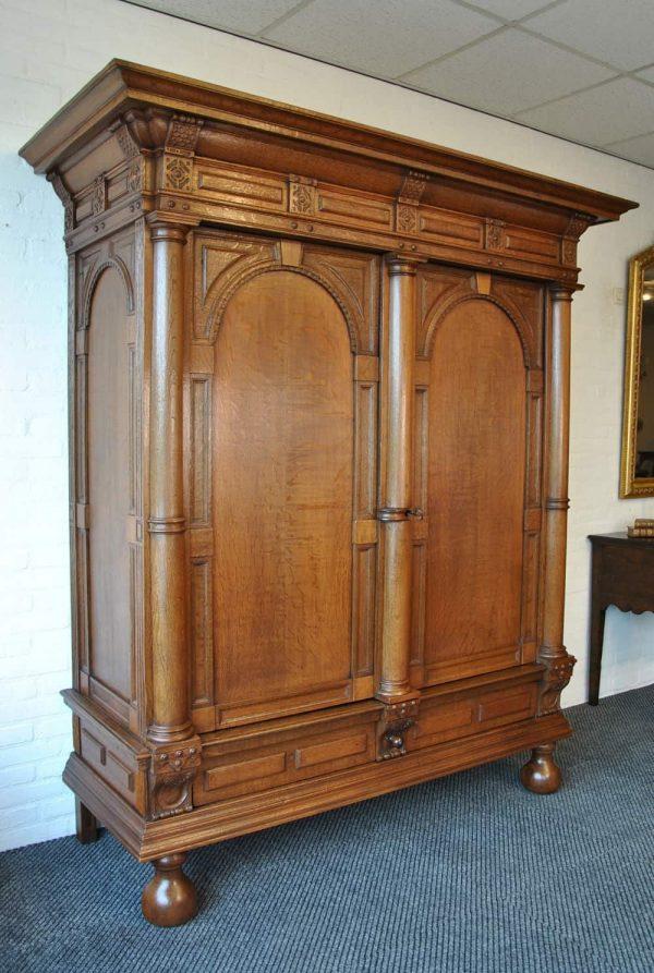Flemish cupboard side