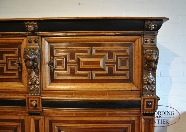 Dutch cupboard top
