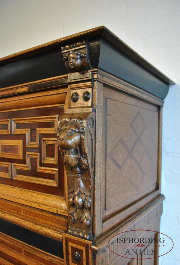 Dutch cupboard top side