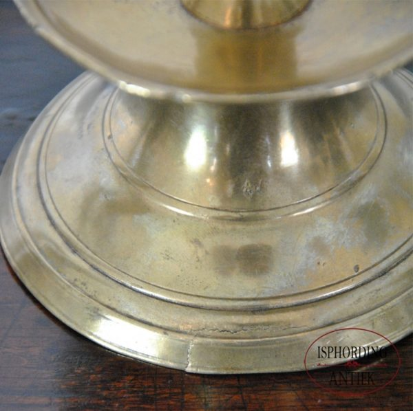 Small candlestick detail