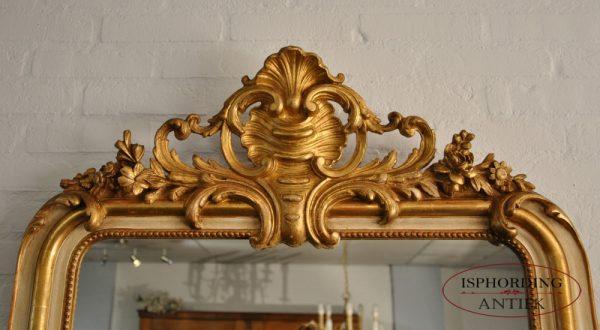 Mirror crest