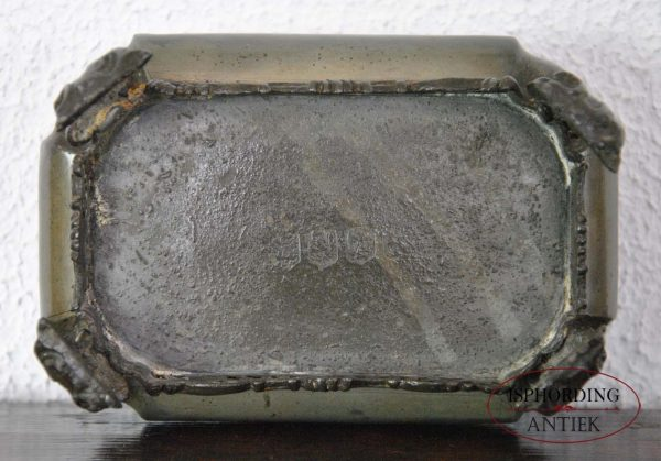 Pewter tobacco box bottom