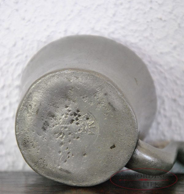 Pewter Dutch cup for patient bottom