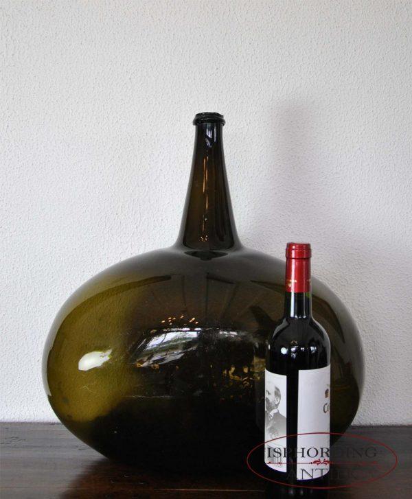 Bottle with bottle