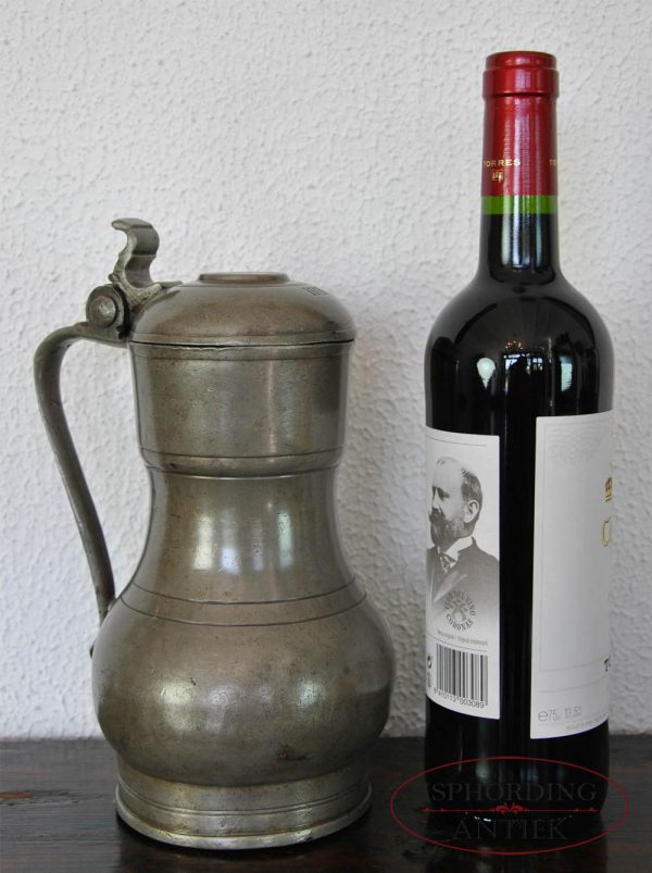 Rembrandtkan with bottle