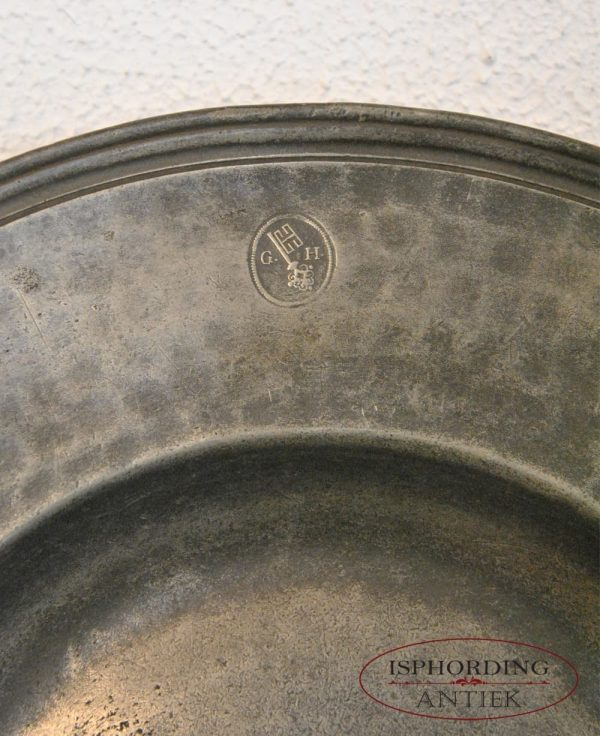 Pewter French plate rim