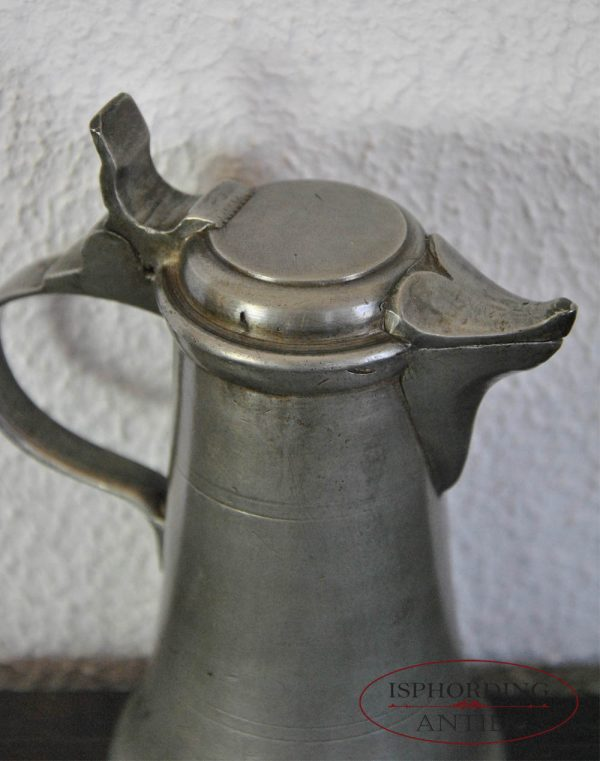 Small pewter Austrian flagon side