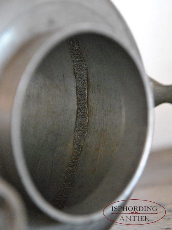 Tinnen koffiekan detail