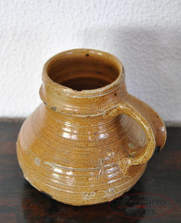 Stoneware jug Raeren top