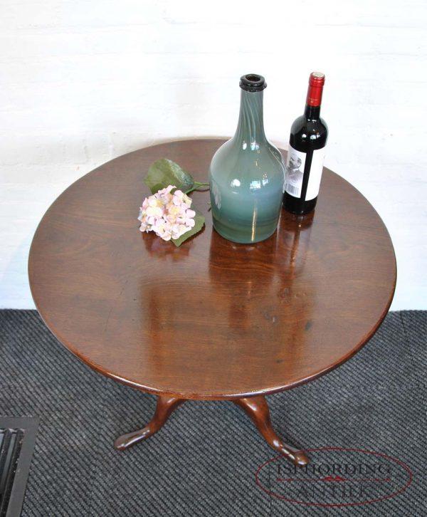 Antique mahogany tilttop top