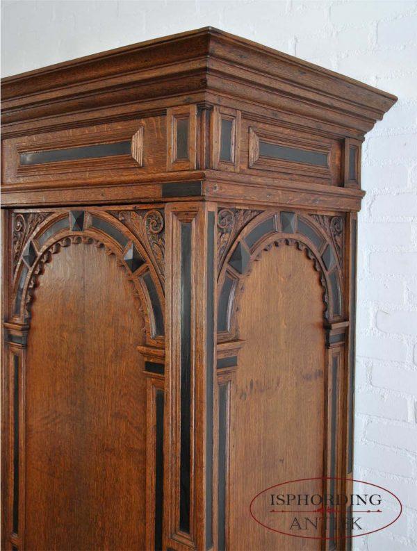 Dutch cupboard side