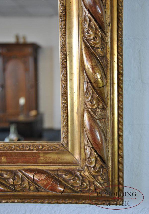 French mirror corner