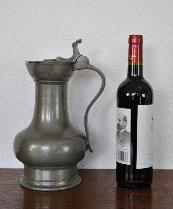 Cologne flagon with bottle