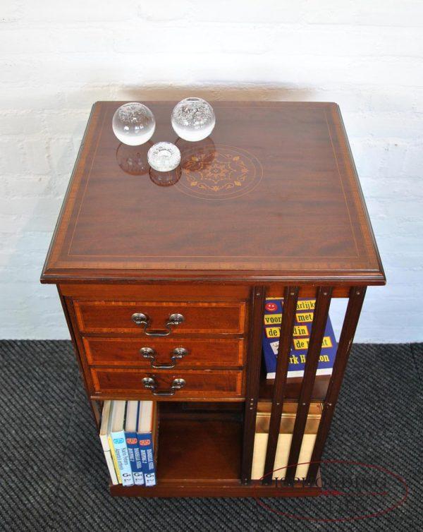 Revolving bookcase top