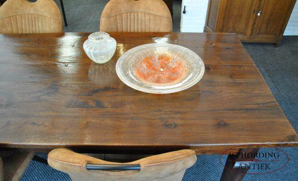 Grote tafel rechts